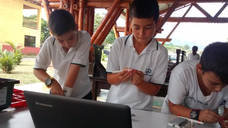 Club de robótica Pino Verde 2015